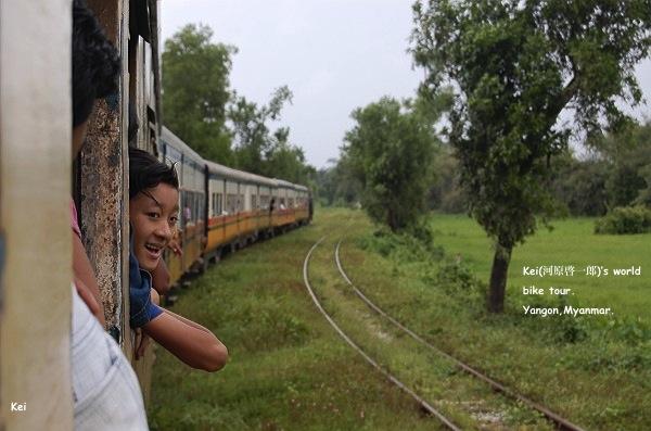 ミャンマー地震1.jpg